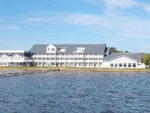 Comfort Suites Lakeside
