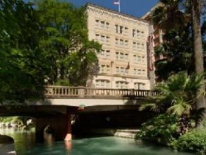 Drury Inn Suites SA Riverwalk