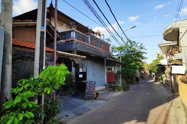 OYO 3694 Gong Corner Guest House 2 Bali