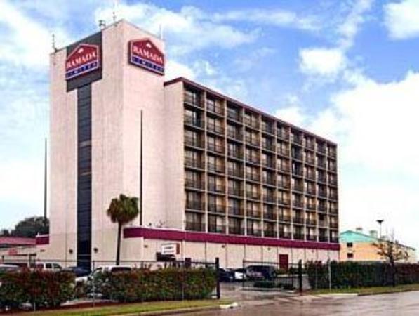 Romana Hotel - Houston Southwest Houston