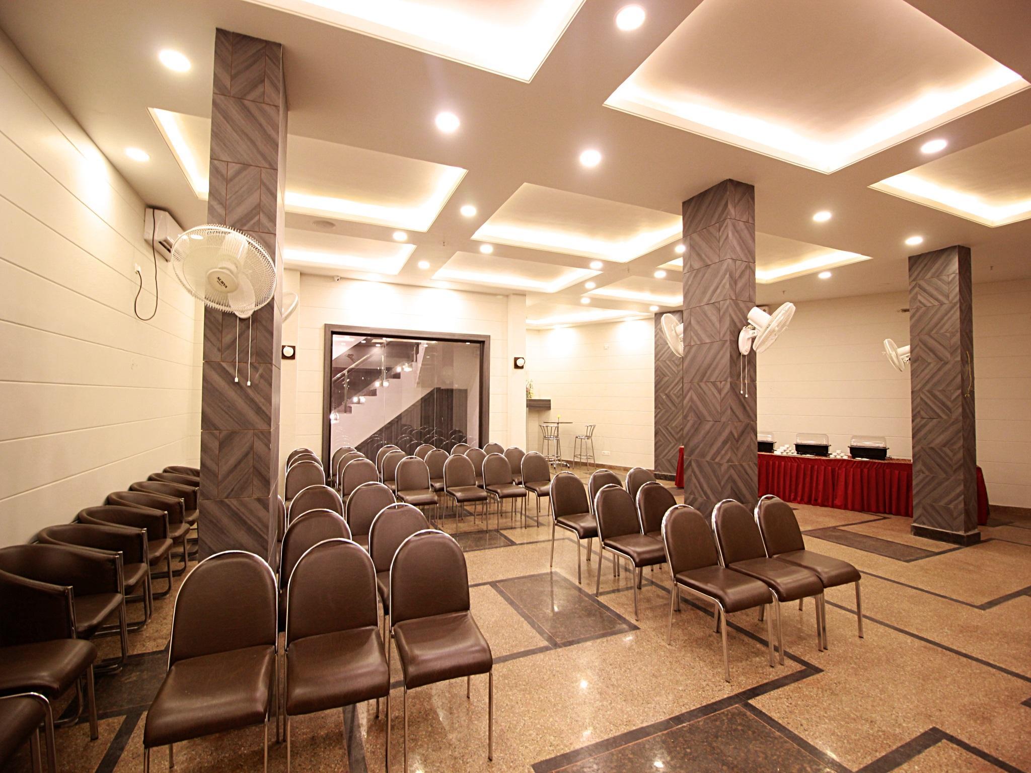 Review Ashoka Hotel