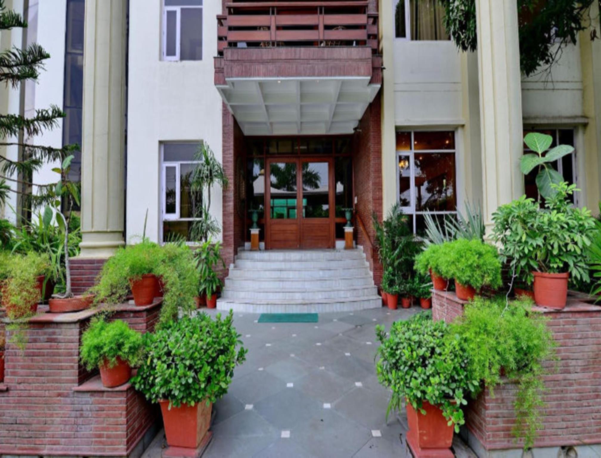 Patiala Retreat   Luxury Hotels  A Unit Of The Garden Resort