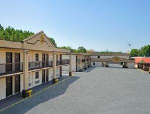 Super 8 Monticello
