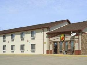 Super 8 Mountain Home Hotel