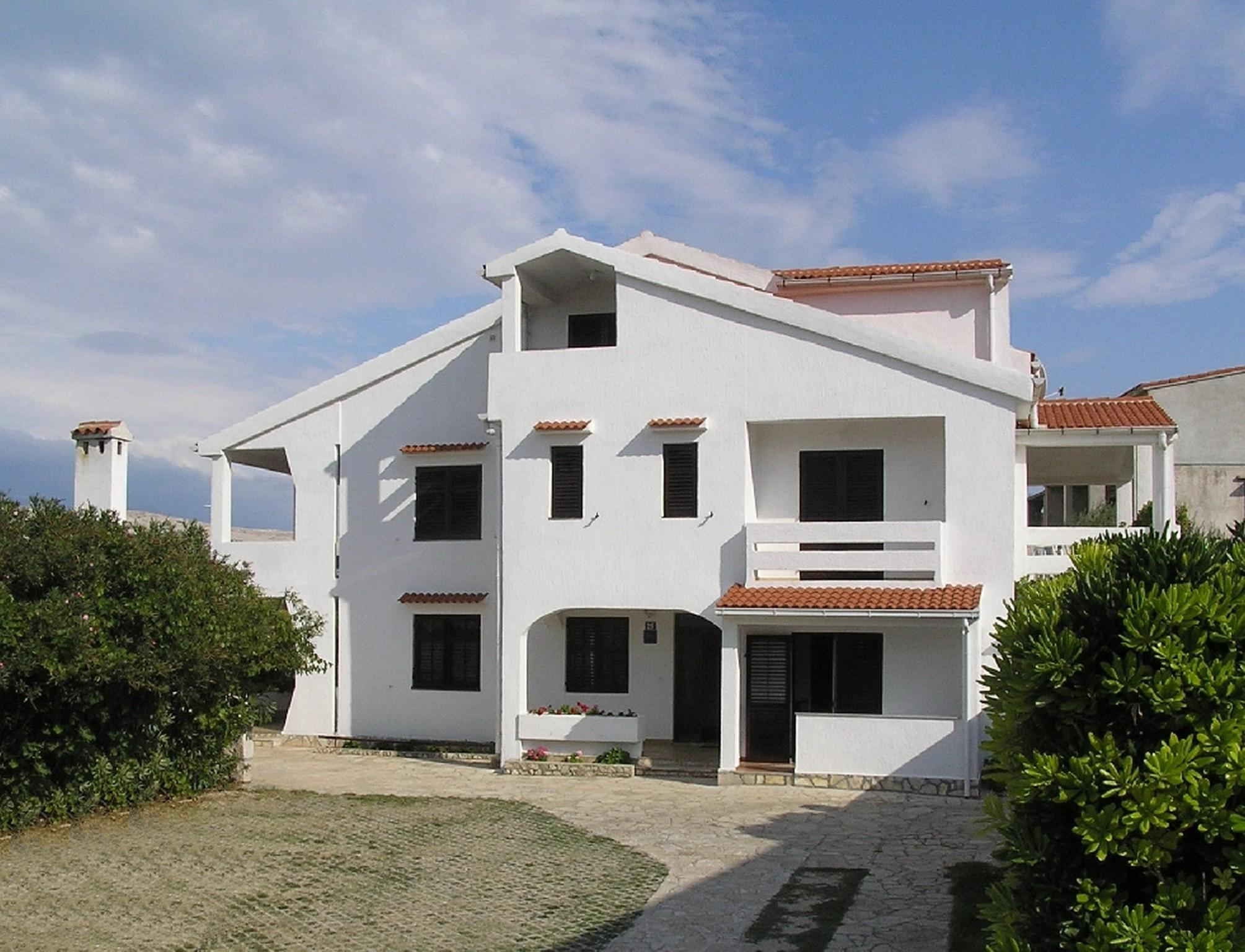 Beautiful Two Bedroom Apartment In Pag