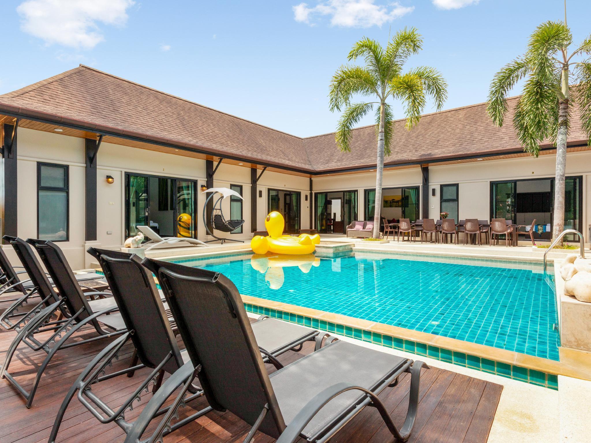 Luxury 8 bedrooms Pool Villa