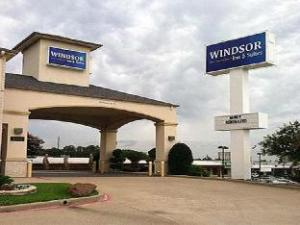 (Windsor Inn and Suites Tyler)