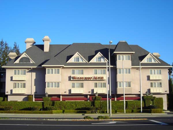 Woodcrest Hotel