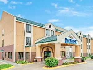 Baymont Inn & Suites Lawrence