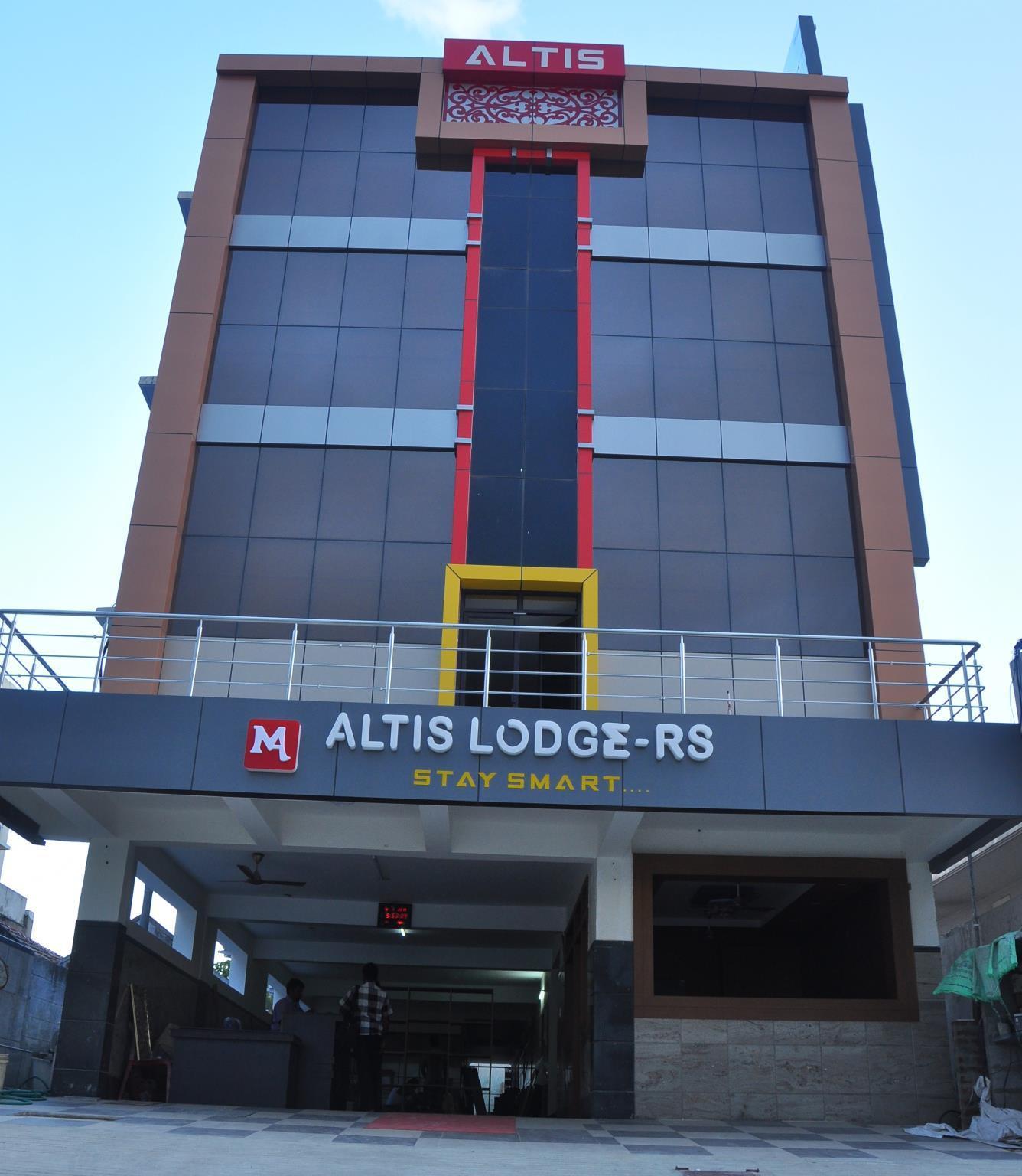 Altis Lodge