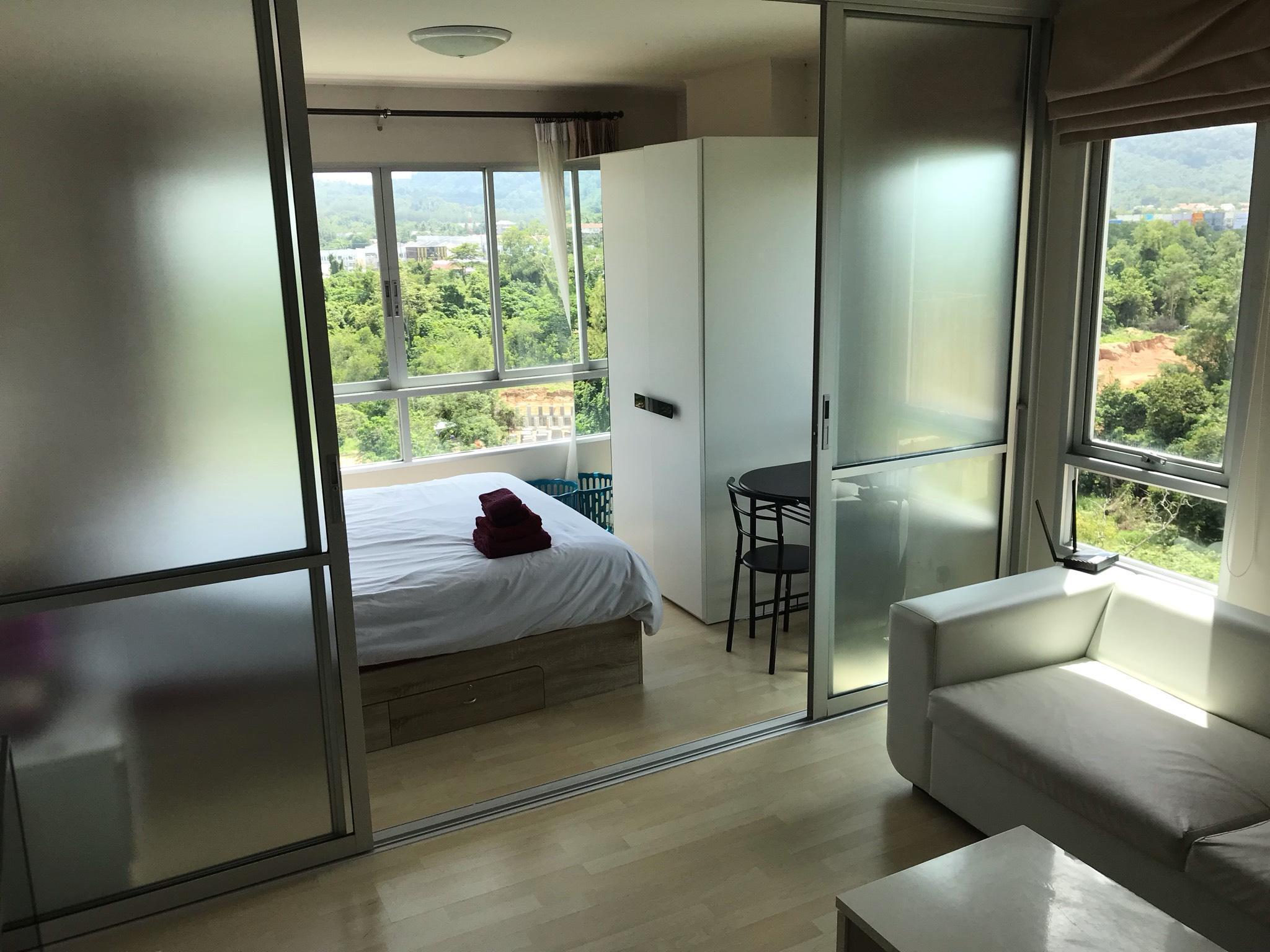 One Bedroom Corner Apartment Relaxing View 121 198