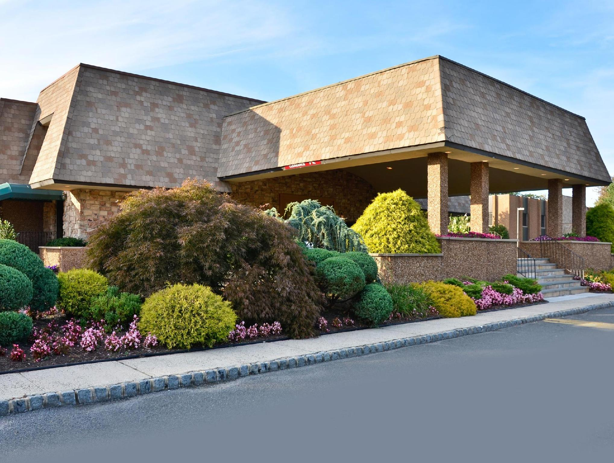 Best Western Plus Murray Hill Hotel And Suites