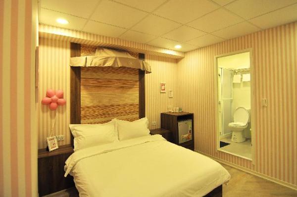 Hua Shan Art lnn-107 Pink Castle Double Suite Taipei