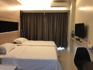 GD Manila Deluxe Room 1