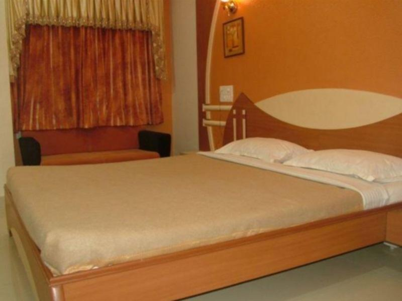 Review Dwarka Residency
