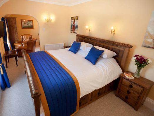 Lynton Cottage Seaview Apartments