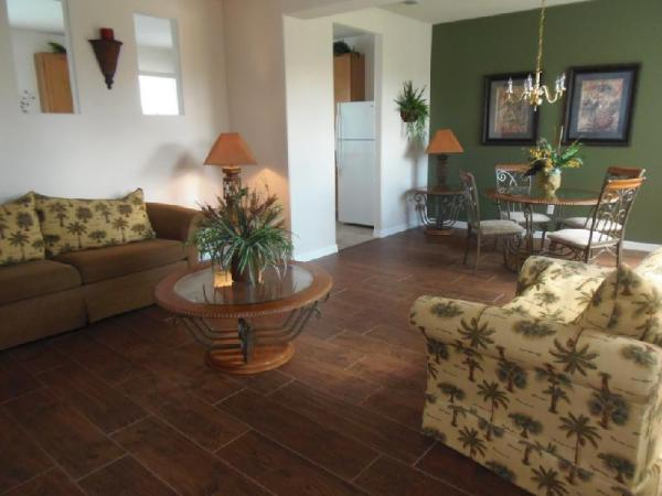 Spacious 5Br Home & Pool in Gated Resort Orlando