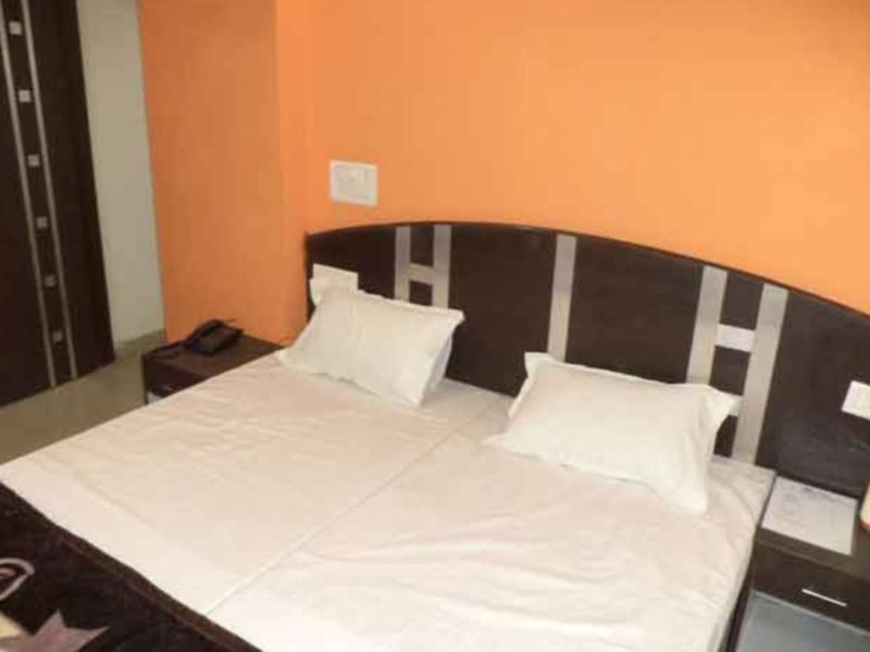 Discount Hotel Surya Plaza