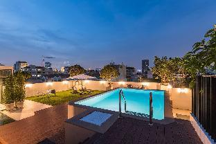 [スクンビット]一軒家(480m2)| 8ベッドルーム/9バスルーム Amazing House with Roof-Top Pool in Thonglor