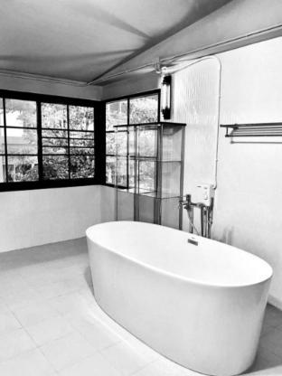 [ホイ・ゲーォ]一軒家(240m2)| 2ベッドルーム/3バスルーム innovative design with a stunning location.
