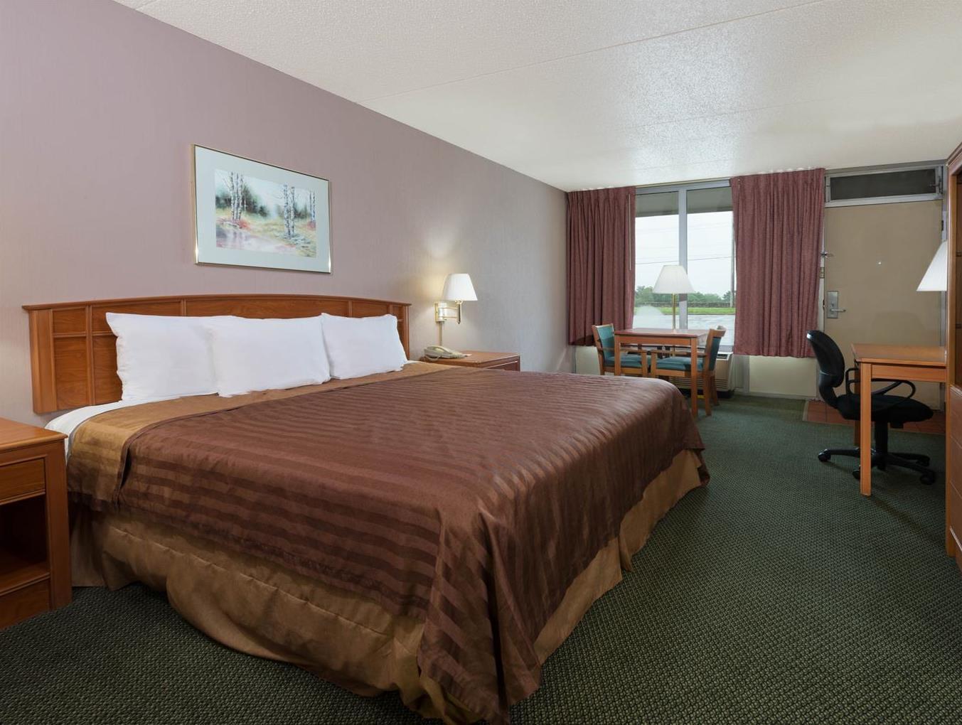 Travelodge Diamond Inn