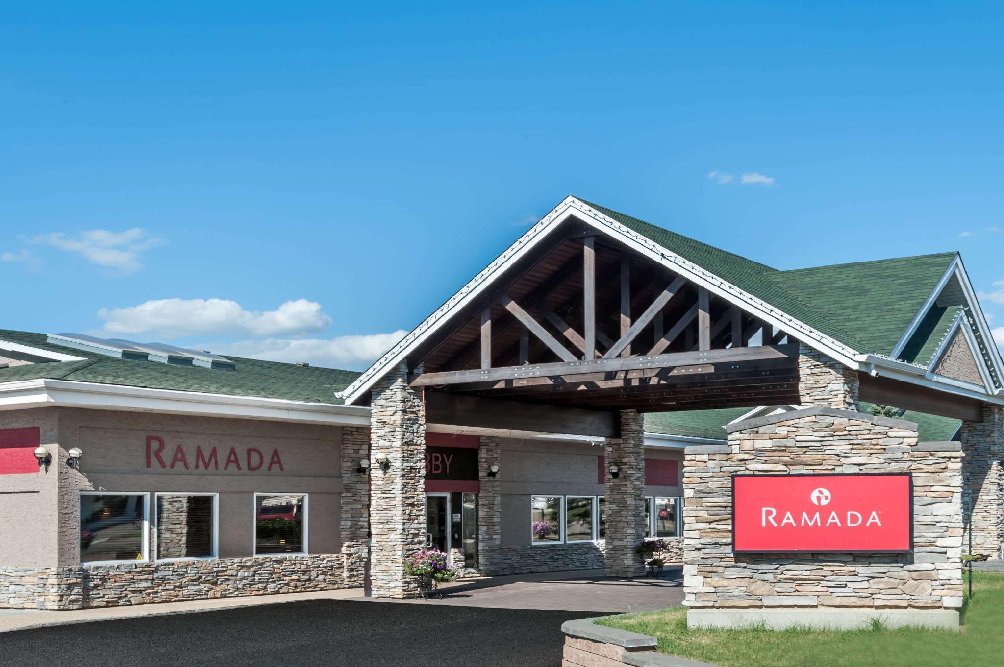 Ramada By Wyndham Stony Plain Hotel And Suites