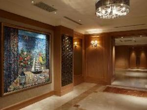 Chateau de Chine Hotel