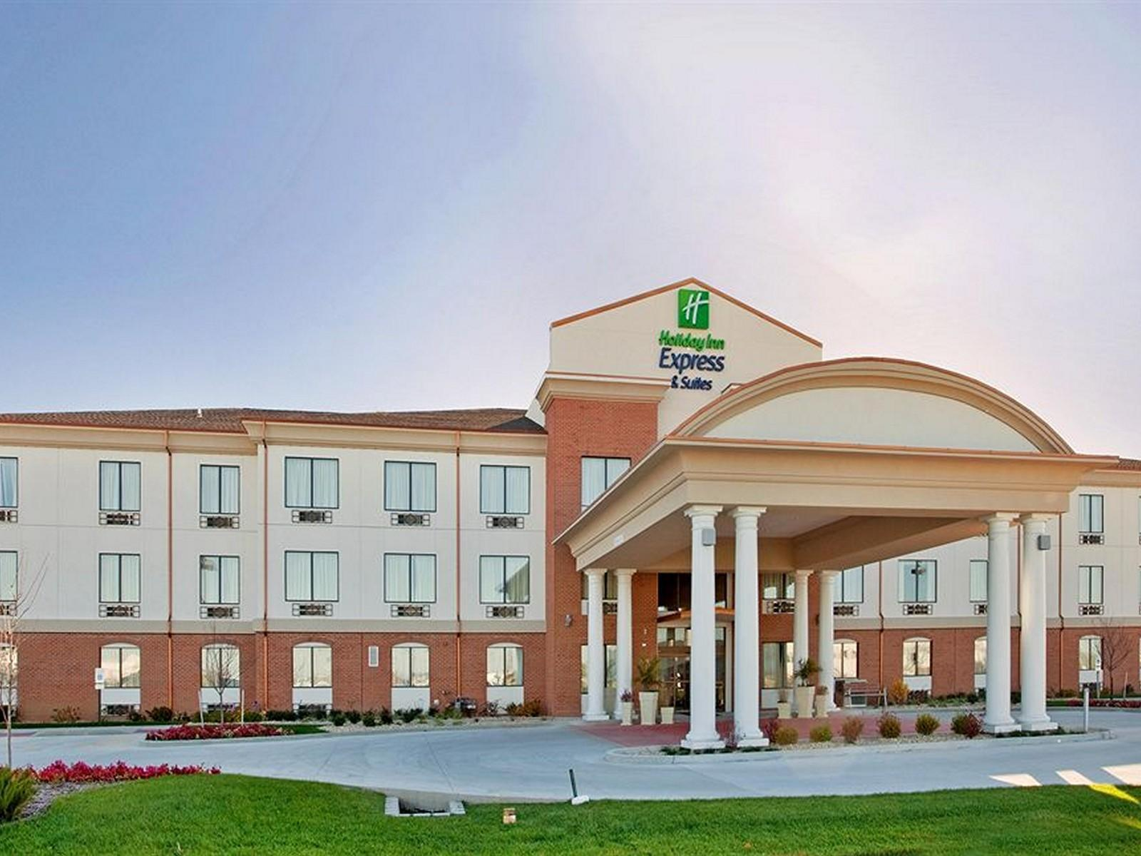 Holiday Inn Express Hotel And Suites St Charles