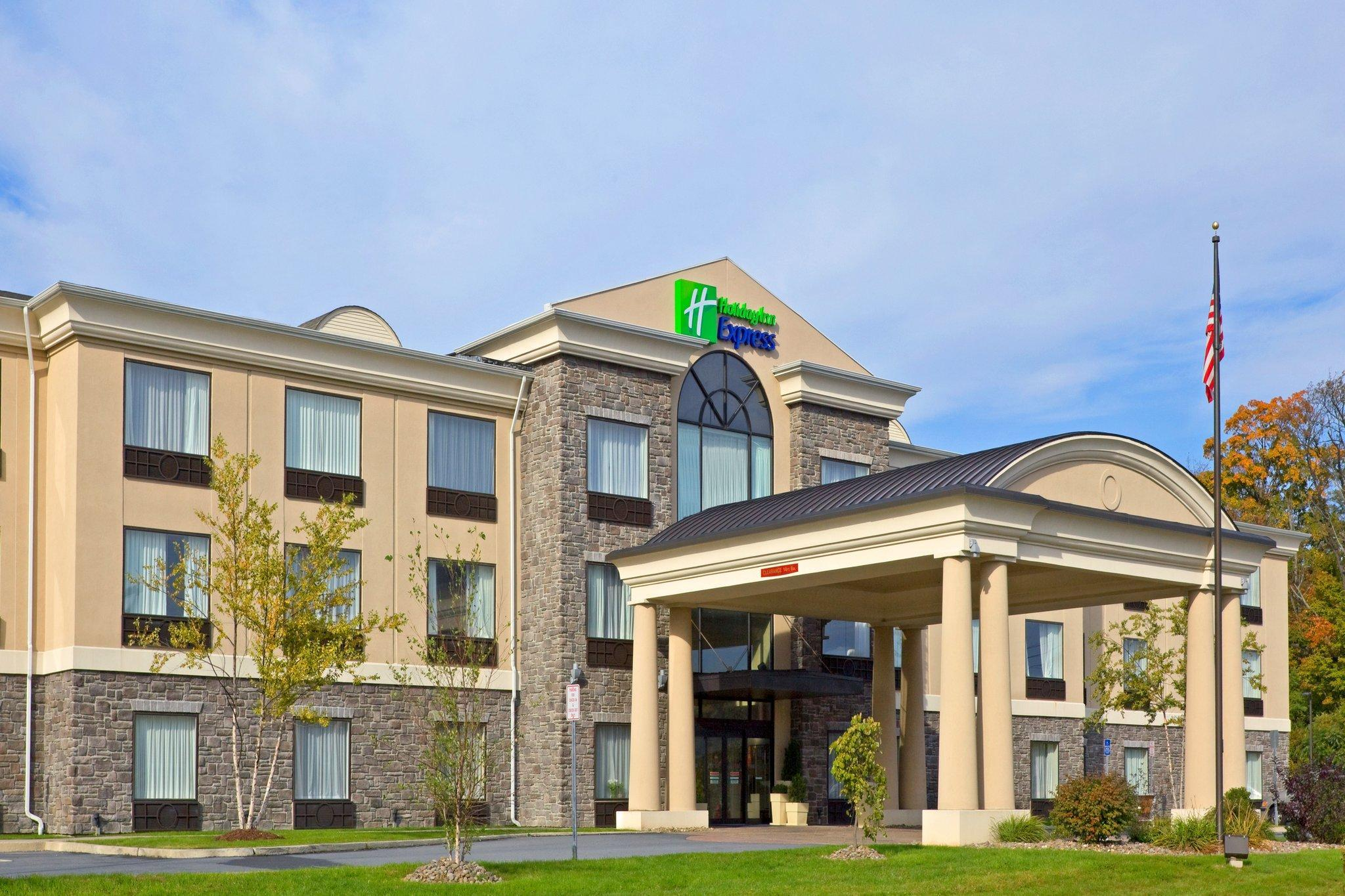 Holiday Inn Express Hotel And Suites Chester