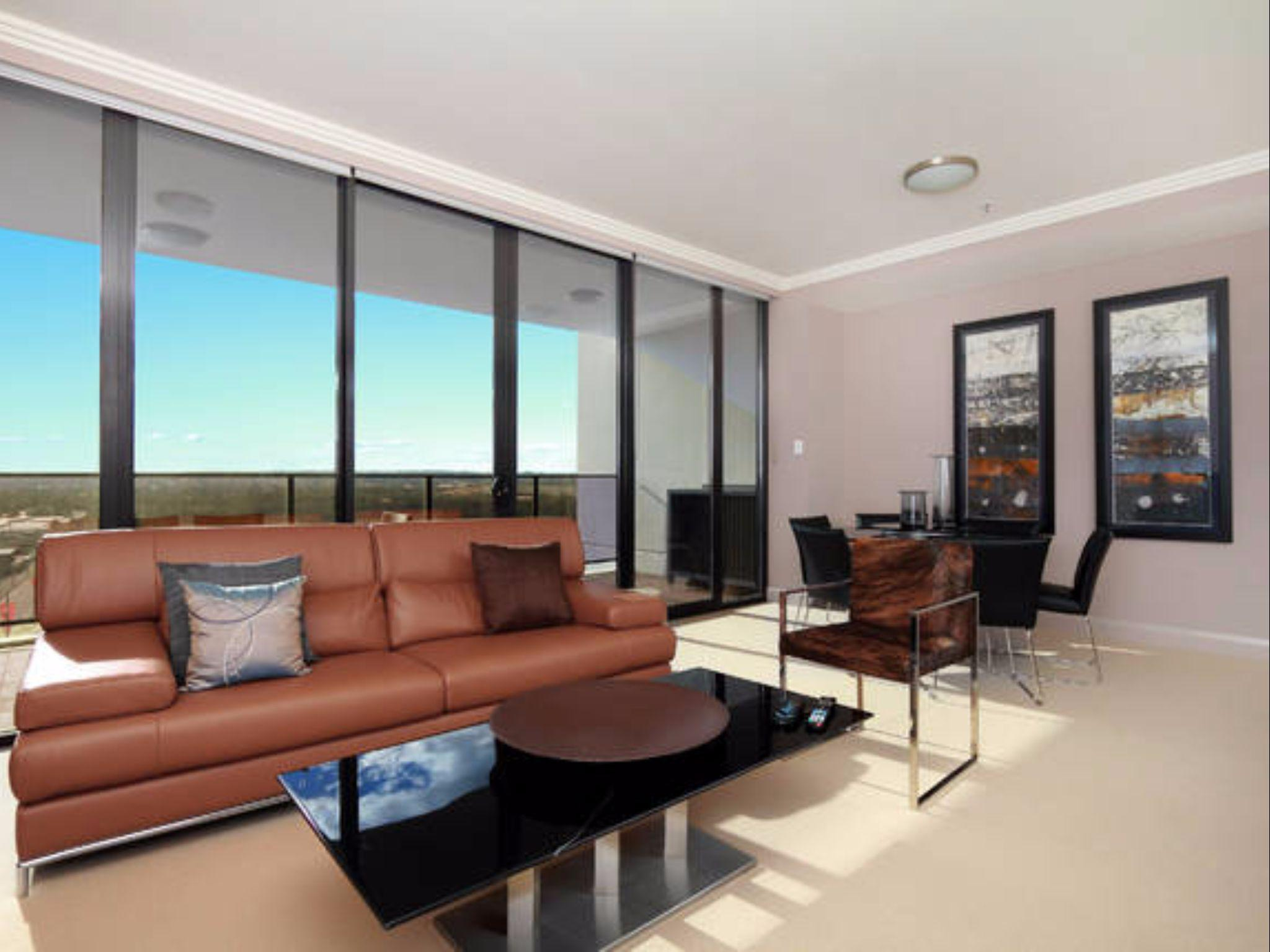3 Bedroom With Showground And V8 Race View