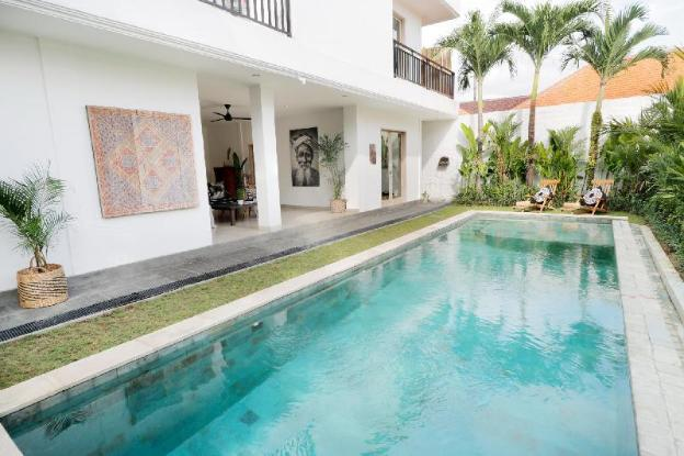 The Villa Umalas by Ilaria