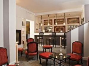 關於東西別墅飯店 (Hotel Villa D'Est)