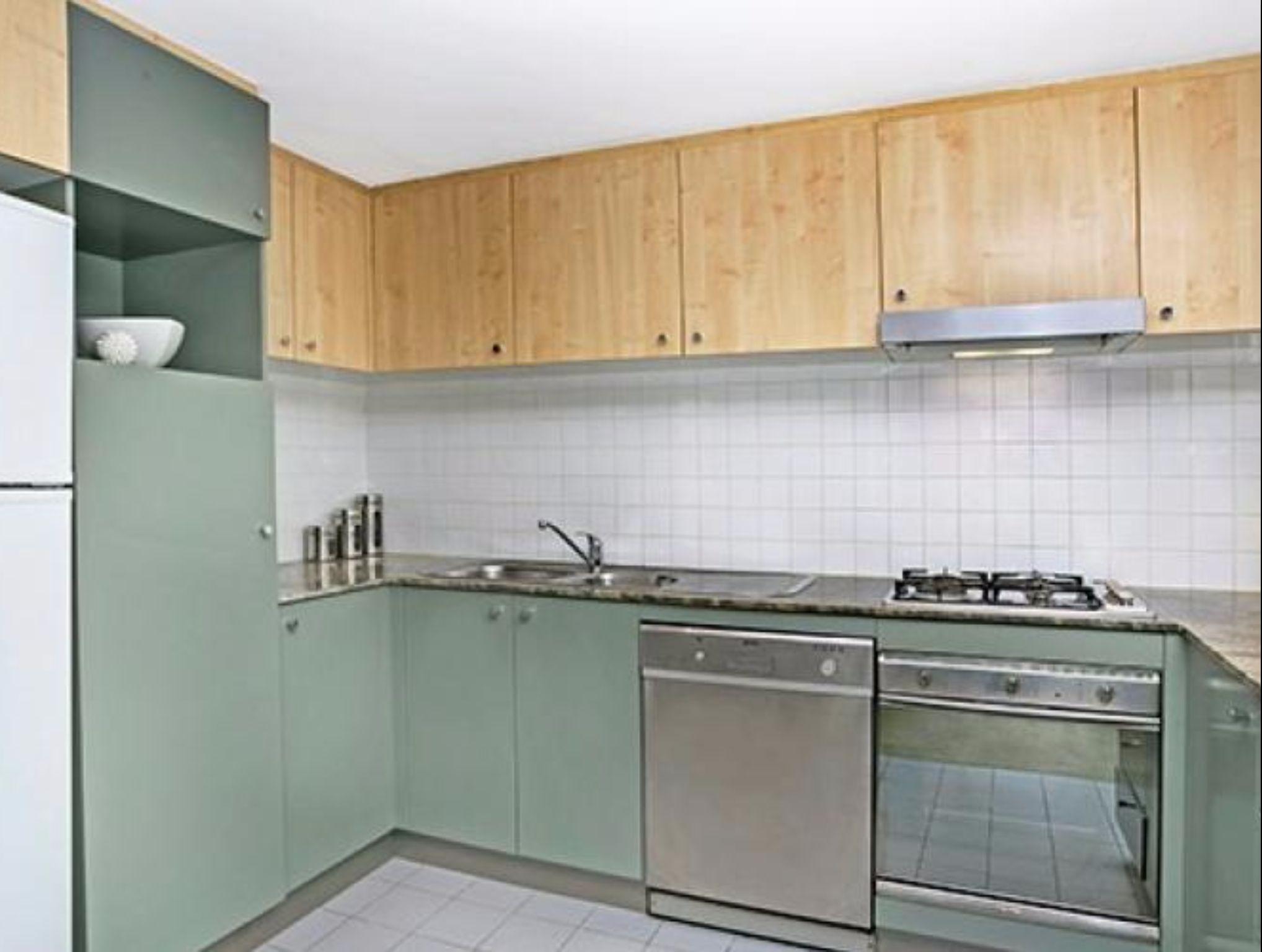 HELP1    Help St Apartment