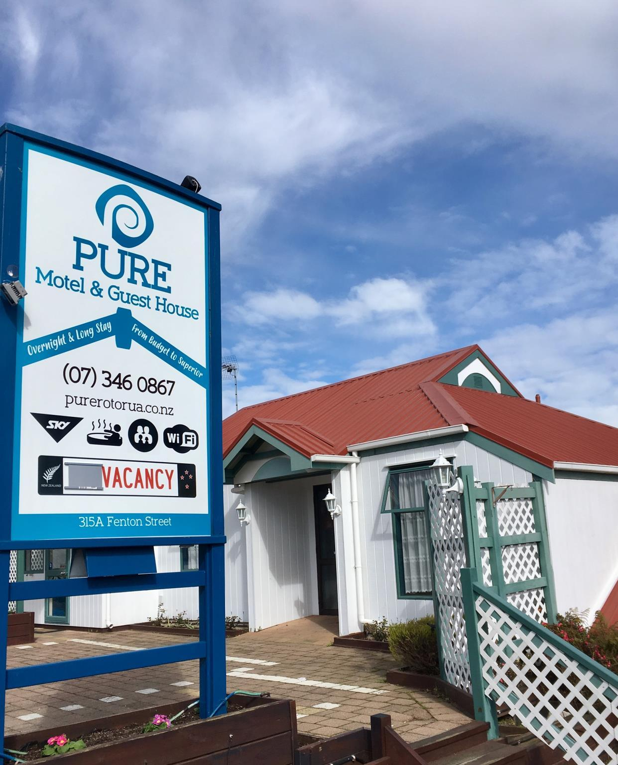 PURE Motel And Guest House