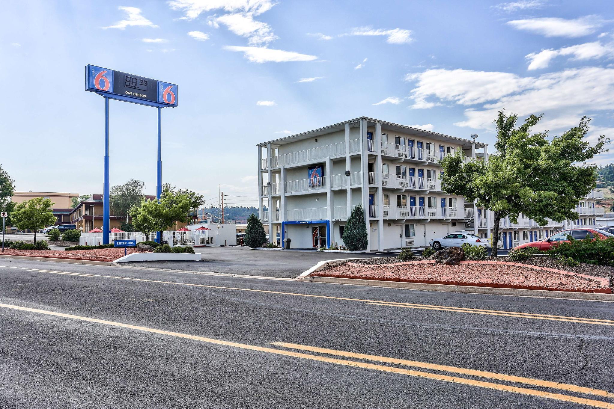 Motel 6 Flagstaff East   Lucky Lane