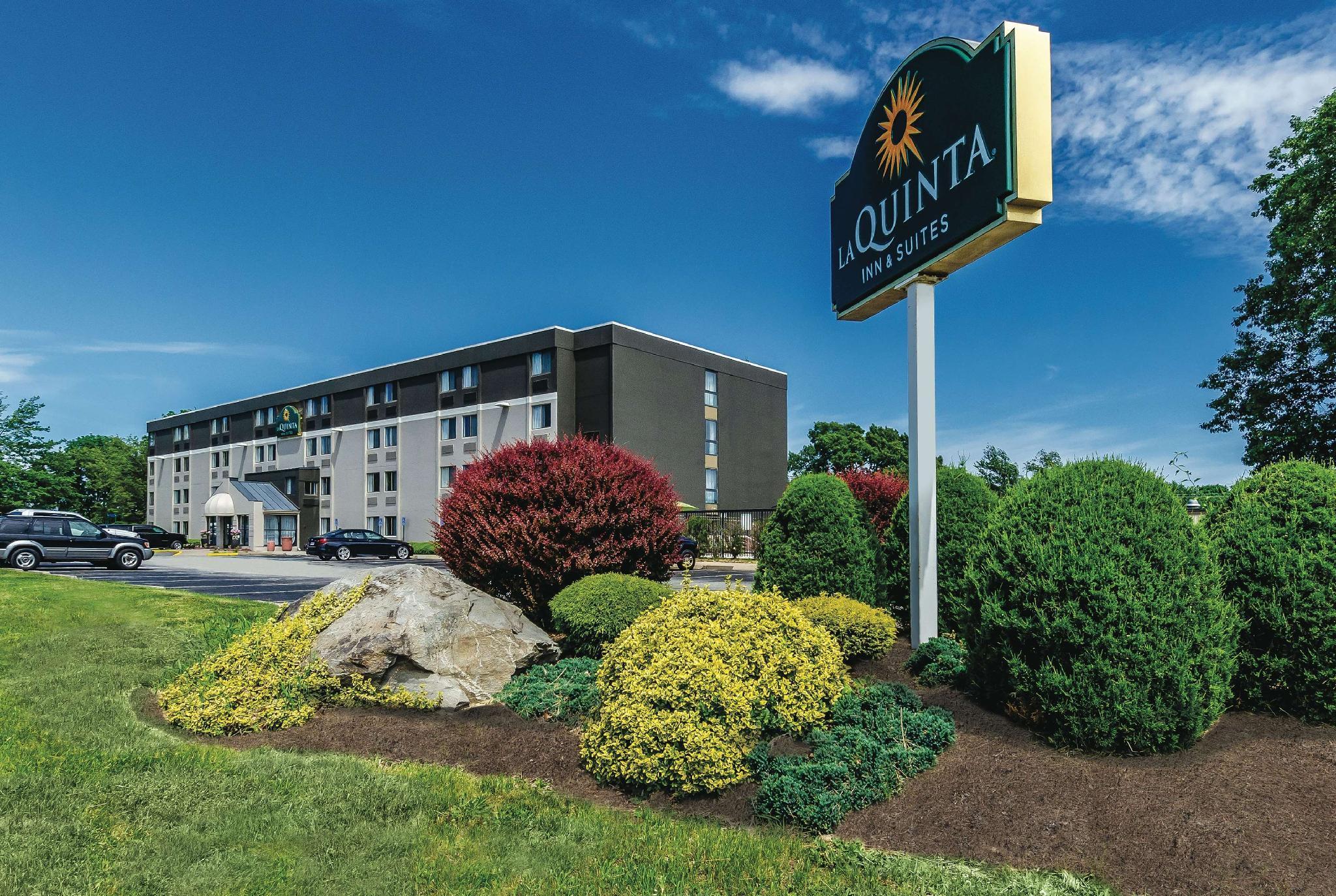 La Quinta Inn & Suites by Wyndham Warwick Providence Airport