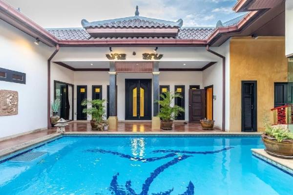 Asian House by GoldStar Pattaya