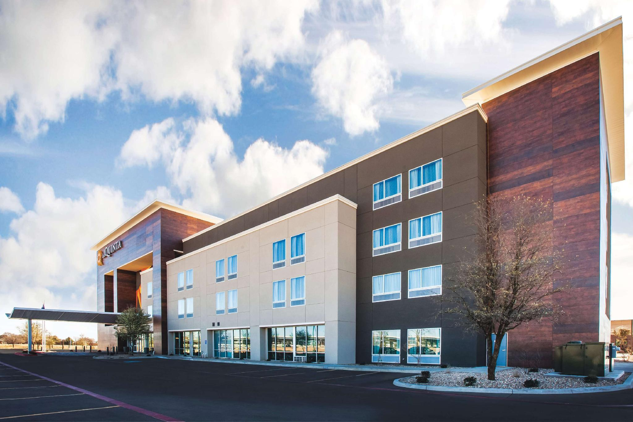 La Quinta Inn And Suites By Wyndham Lubbock South