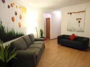 APTBCN Super Balmes Guest House