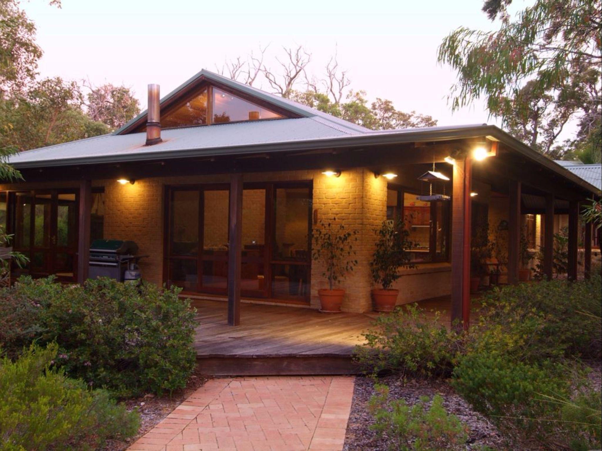 Dunsborough Holiday Homes   53 Martina Drive