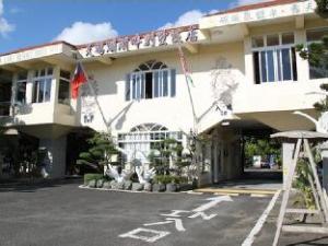 天鹅湖湖畔别墅饭店 (Swan Lake Villa Resort)