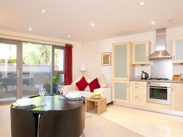 Cleyro Serviced Apartments - Harbourside Bristol
