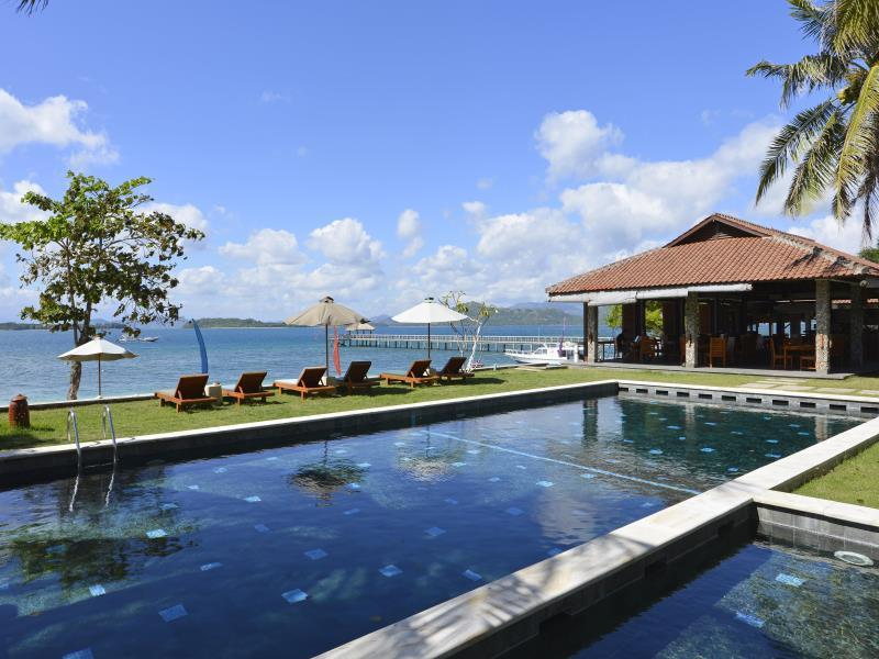 Cocotinos Hotel Sekotong Lombok