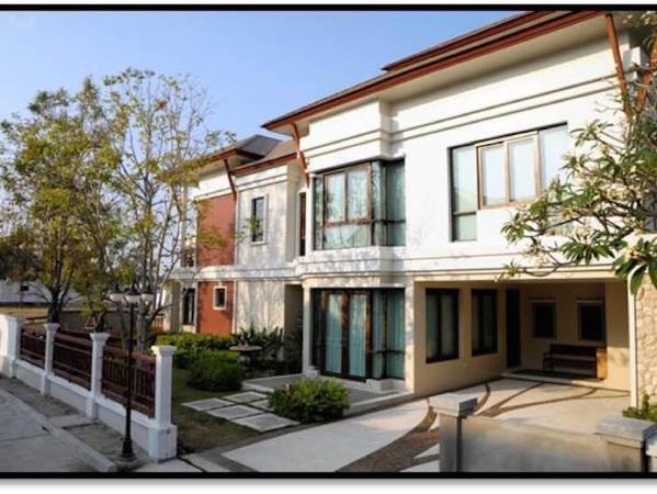 Royal Sammuk Villa Chonburi