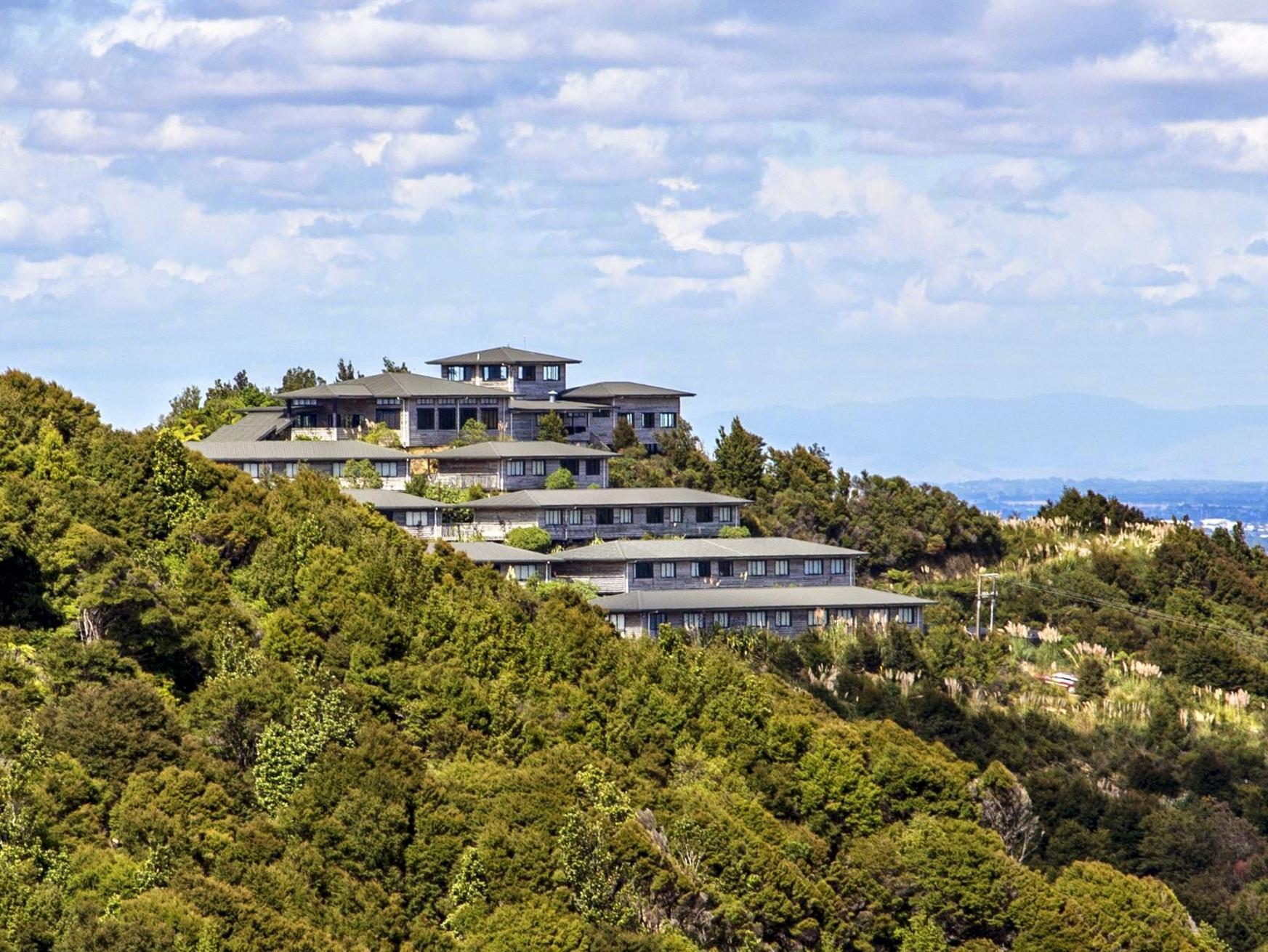 Hillside Hotel And Nature Resort