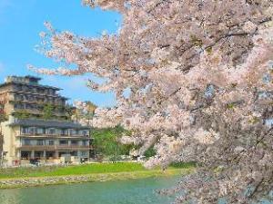 Yuya Ruru Saisai