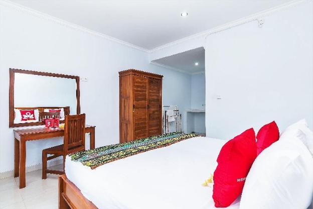 ZEN Rooms near Batu Bolong Canggu