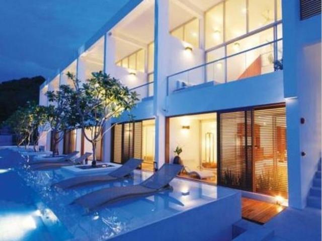 รีสอร์ต เดอะ ควอร์เตอร์ ภูเก็ต – The Quarter Phuket Resort