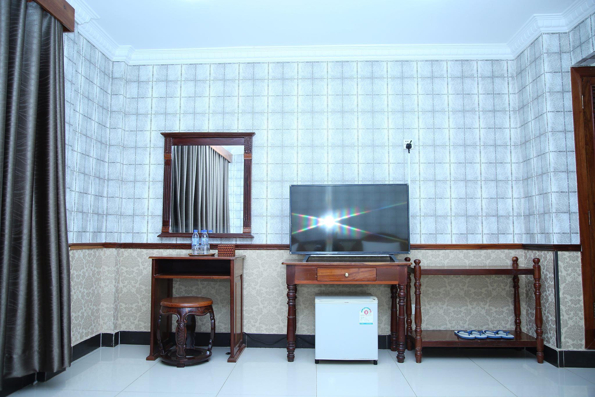 Holiday Hotel Battambang 4