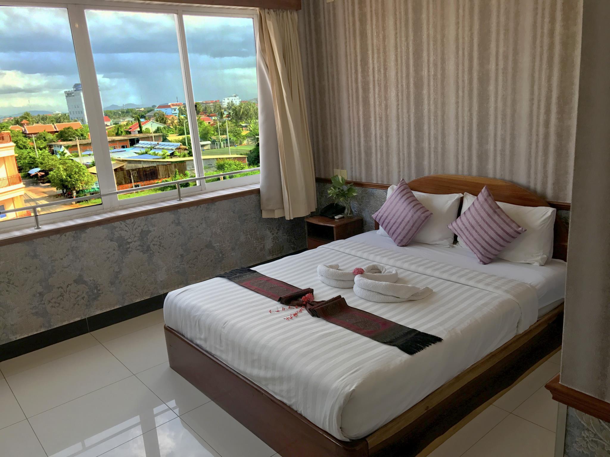Holiday Hotel Battambang 2